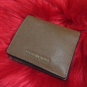 Michael Kors wallet 💯% authentic!!